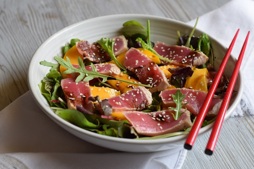 Healthy cuisine: the keys to an authentic Japanese tataki