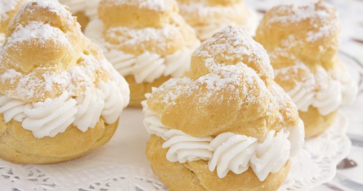 Homemade puffs, the recipe for a basic pastry preparation