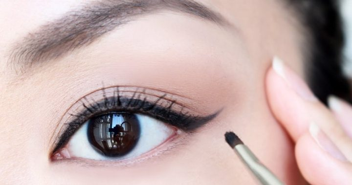 How to put eyeliner: the tricks for a fast and perfect application