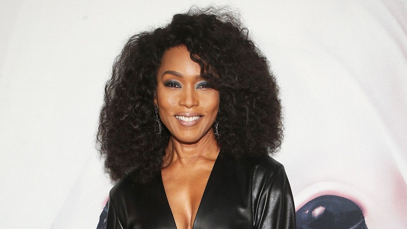 Angela Bassett Net worth,