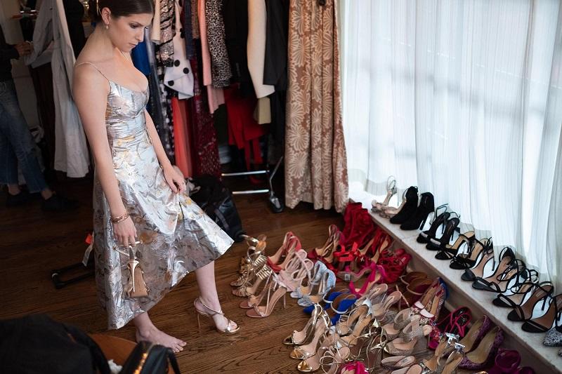 Anna Kendrick feet