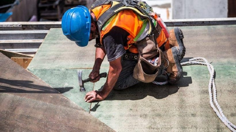 Major Benefits Of Wearing Safety Boots At Work